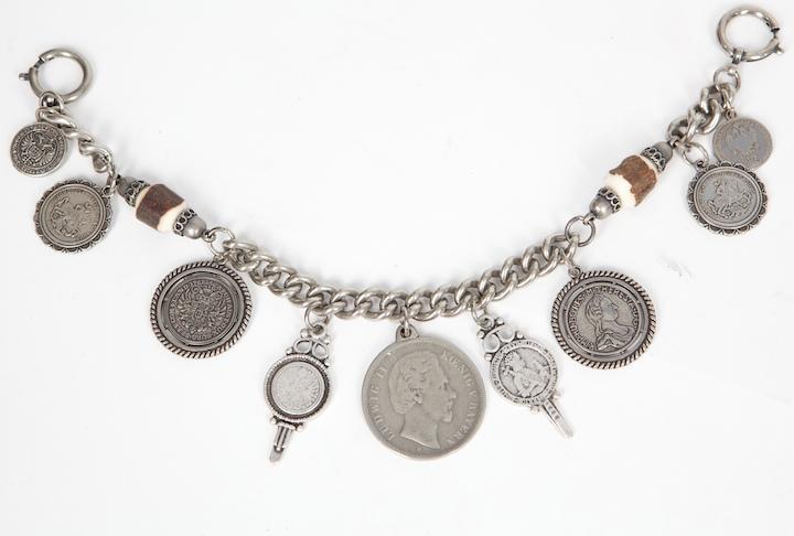 Charivari mit Silbermünzen